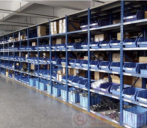 电商物流行业的仓库货架使用情况